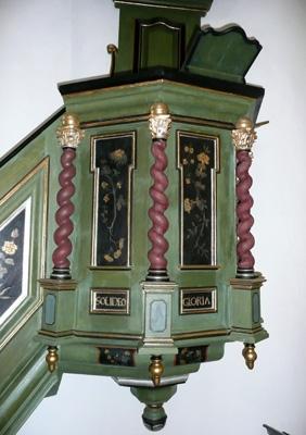 Kirche Kanzel b